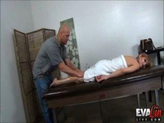 Ts eva lin obtiene un masaje final feliz!