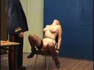 Severo castigo por las chicas rusas