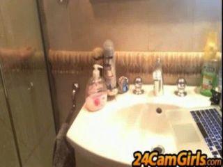 Mi show de ducha para la cámara de espectador 24camgirls.com