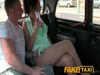 Novia cojida por novio y taxista