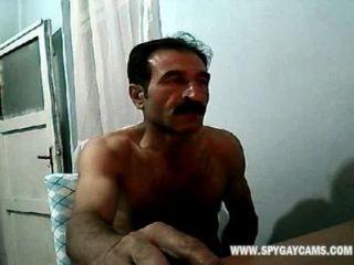 Sacudiendo su enorme polla espía camara escondida gays chubby cams spygaysexcams.com