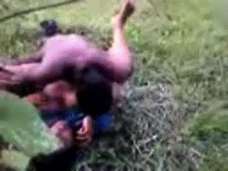 Bangladeshi sexo indios telugu pueblo tía en saree follada al aire libre