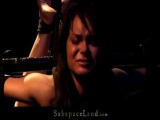Puta mini esclava se rinde después de una puñalada dolorosa