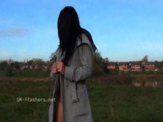 Dark chloe lovettes público nudity y voyeur al aire libre burlas por sexy británico bab