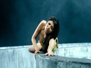 Kajal aggarwal boob mostrar tetas sacudir cámara lenta hd