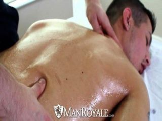 Hd manroyale masaje sensual se convierte en sexo caliente