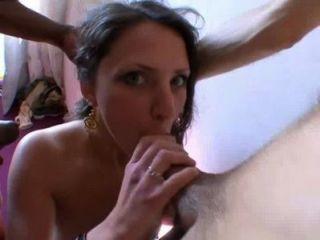 Chica indecente follada por 2 desconocidos!Amateur francés