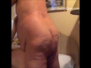Abuelo obeso regordete bareback