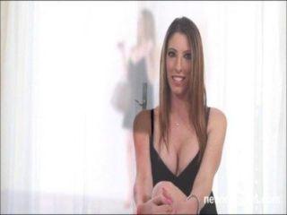 Dana es un poco sacudido por la diversión sexual áspera