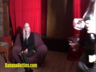 Hottie rubia en el casting erótico