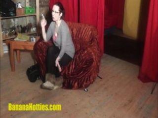 Lapdance morena muy tetona en el casting banana