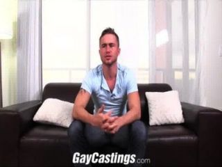 Gaycastings peludo texas stud follada por primera vez en la leva