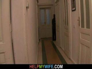 Viejo marido paga a un extraño a clavar a su joven esposa