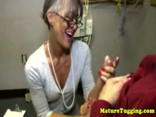 Abuelita madura masajes dick