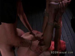 Atado con la cuerda áspera nena follada por su maestro