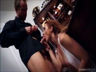 Belleza inocente quiere ser follada por su sacerdote
