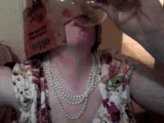 Pixie mujer cumpilation: mujer duendecillo bebidas cum de vidrio, come cum sobre la comida, etc