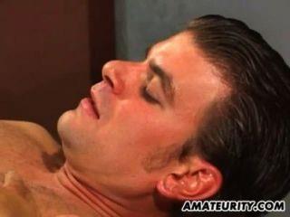 Novia aficionada acción anal con corrida facial