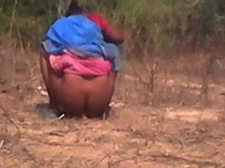 Tamil, tía, atrapado, ocultado, cámara, ella, peeing