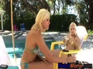 Rubia milf seduce stepdaughter redtube gratis milf videos porno, lesbianas películas adolescentes clips