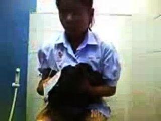 Cam caché anak smp thailan pipis di toilet subiendo por: bokepers community