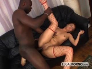 Sexy rubia follada en el culo por una enorme polla negra bmp 3 05