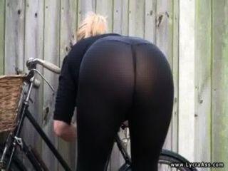 Sexy lycra culo británico milf daniella english