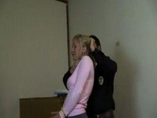 Mujer encadenada y amordazada video varus67 myvideo