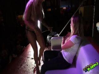 Jenny y la chica del publico