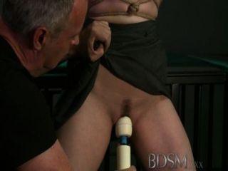 Bdsm xxx horny jóvenes subs solo cum cuando sus maestros permiten
