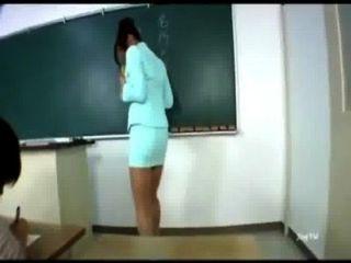 Profesora asiática sexy