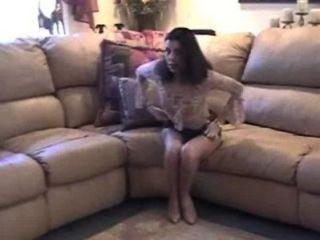 Orgasmo caliente en el sofá