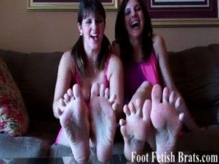 Usted sabe que usted ama el chupar en nuestros dedos del pie