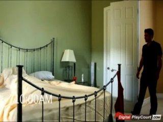 Selena rose dar a su marido una mamada