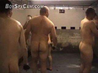 Tiempo de rugby no vestiario (equipo de rugby en el armario)