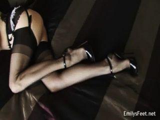 Emily marilyn ~ ven a jugar conmigo