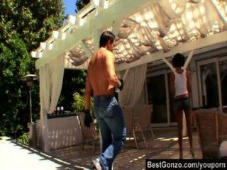 Vanessa leon quiere ayudarlo a entrenar