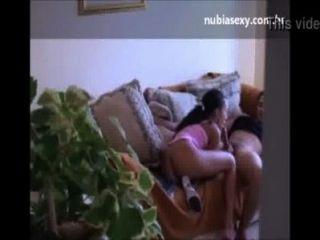 Caiu na netFred hace una prima en una cara y filma trepada en la casa de la tia xvideoscom