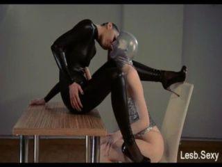 Consolador sin tirantes, feeldoe sexo de http://lesb.sexy