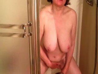Marierocks cums soooo duro en la ducha