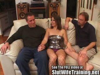 Joven esposa follada por el esposo y sucia d