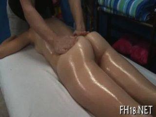 Sexy de dieciocho años de edad, obtiene atornillado duro