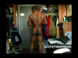 Azzfetishfreak sexy negro tipo muestra cuerpo, polla y culo