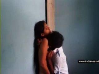 Películas de sexo indio southil guy sunil chupa en su gf neetas caliente tetas en free indian porno tube