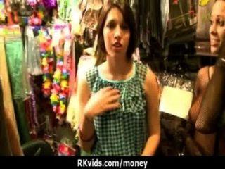 Quiero hacer sexo por dinero 21