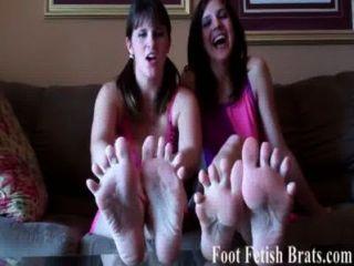 Te haremos chupar los dedos de los pies durante horas