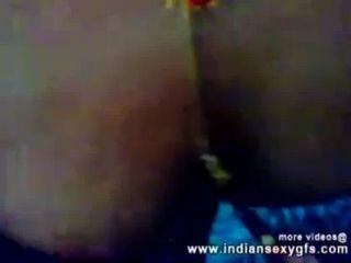 Indio kolkata desi bhabhi boobs chupar y digitación por el vecino indiansexygfs.com