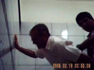 Admirersamateur sexo amador no banheiro soloboys.tv los mejores videos de sexo gay da internet