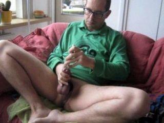 Un buen esperma grande en mi camisa verde