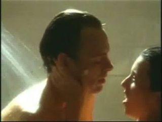 Taimie hannum ducha sexo escena caliente desnuda